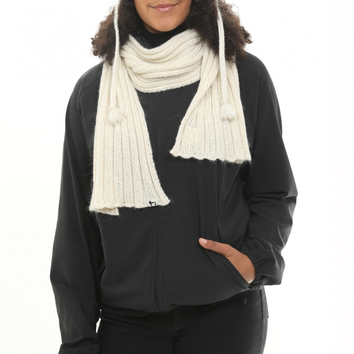 Flat ribbed scarf