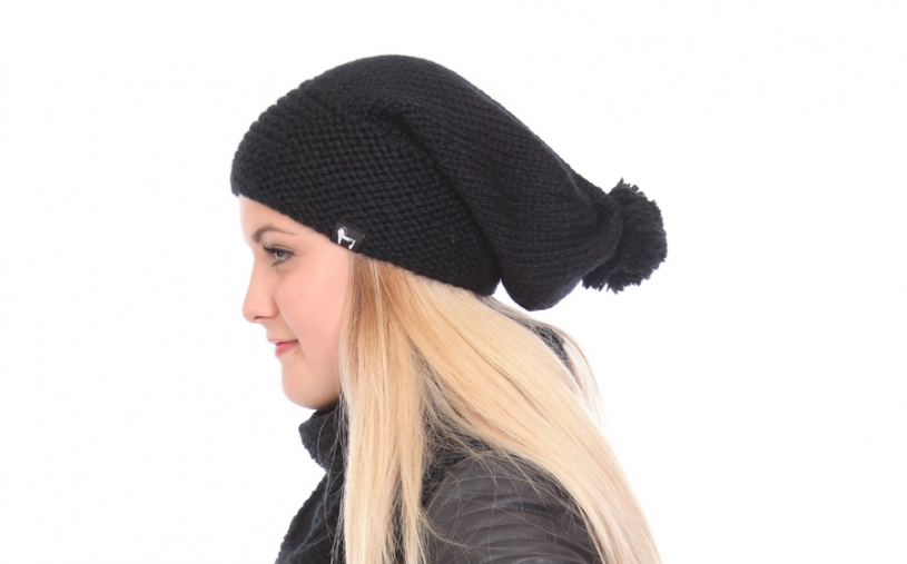 Kid mohair tuque with pompom