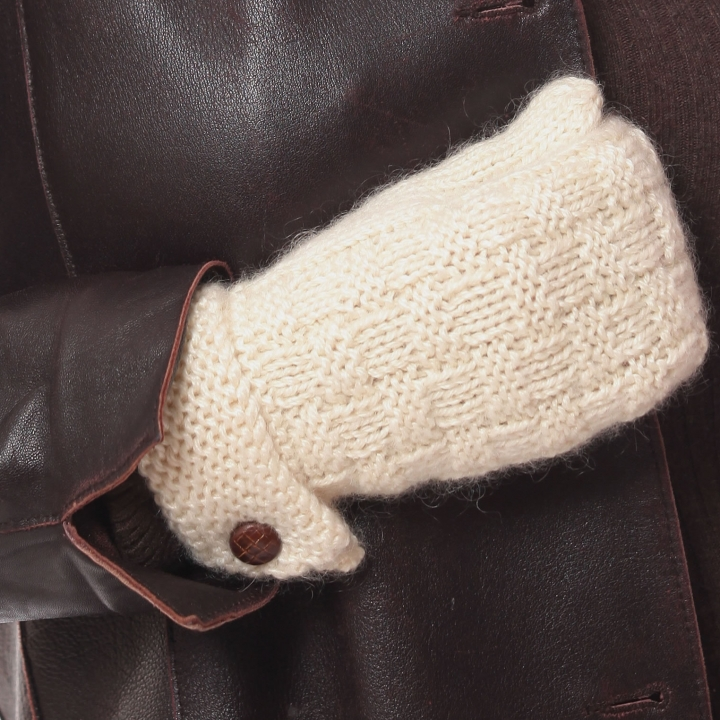 Kid mohair hand knitted checkered stich mittens